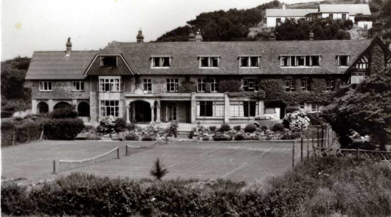 Lee Bay - the Lee Bay hotel